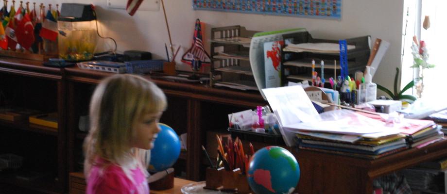 Montessori Nurtures Curiosity, Creativity & Imagination